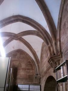 Bóveda de crucería simple gótica sobre la Claustra Nova. FOTO: J: M. G.