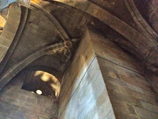 Bóveda truncada por la torre de las Campanas. FOTO: J.M. G.