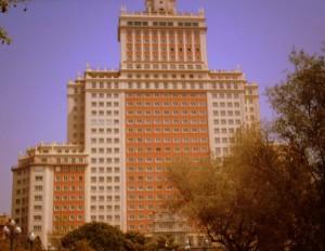 Fachada principal del Edificio España. FOTO: V. Escudero