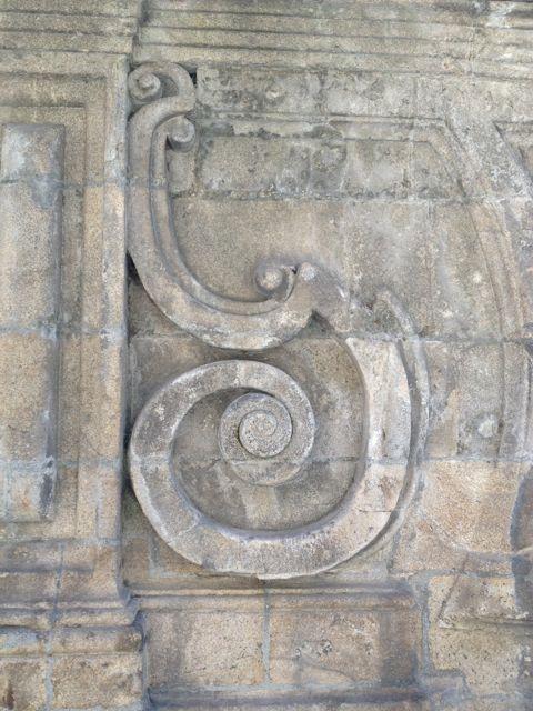 Espiral en la fachada norte de la catedral. FOTO: J. M. G.