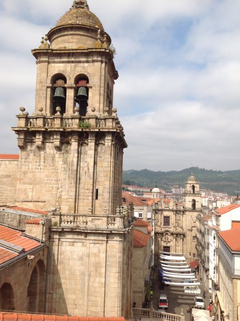 Vista del desarrollo de la torre desde el este. FOTO: J.M.G.