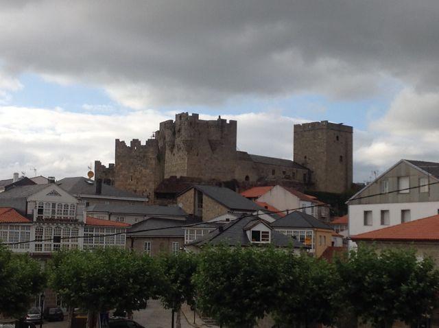 Castro Caldelas es, desde el siglo XII, de la diócesis de Ourense. FOTO: J. M. G.