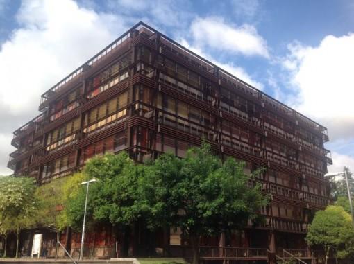 En el Edificio de Ferro comparten espacio las facultades de Historia y Ciencias de la Educación. FOTO: J.M.G.
