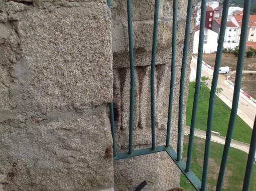Detalle ornamental a la altura del campanario. FOTO: J.M.G.
