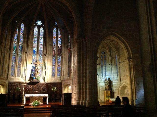 En el templo franciscano las bóvedas y la mayor ornamentación se localiza en las tres capillas de la cabecera. FOTO: J.M.G.