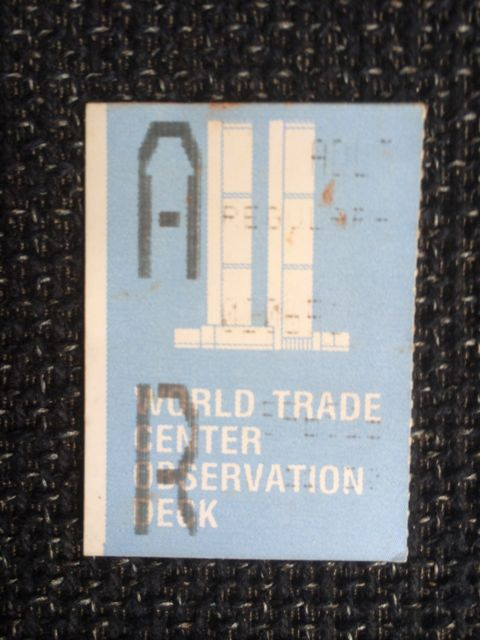 Ticket para subir al observatorio de la planta 107. FOTO: J.M.G.