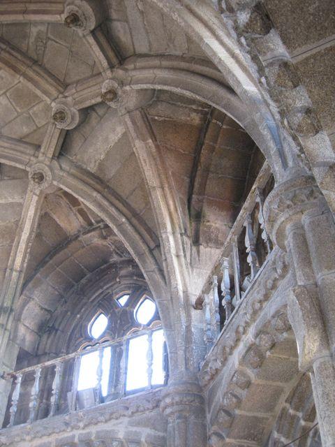 Detalle del arranque de los nervios que conforman la bóveda desde el segundo nivel del octógono. FOTO: J.M.G.