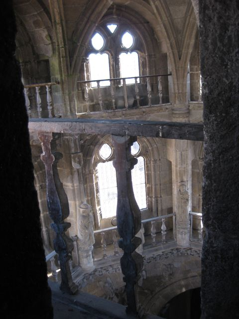 Detalle del pasadizo que recorre el segundo nivel. FOTO: J.M.G.