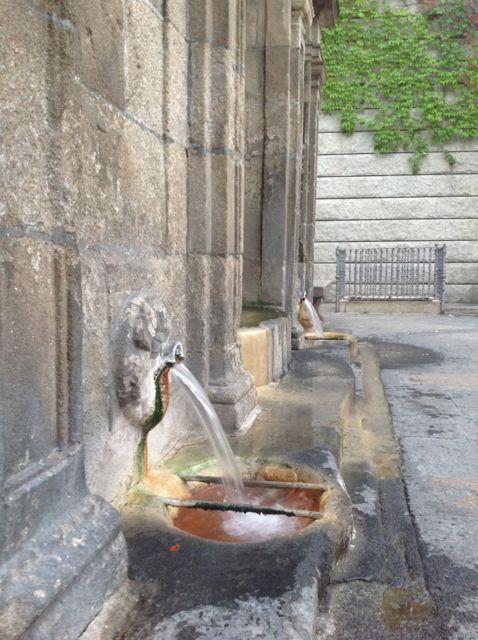 Chorros de agua hirviendo. FOTO: J.M.G.