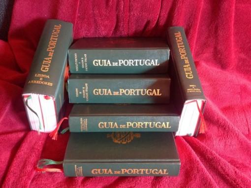 Seis de los ocho volúmenes de que consta la colección. FOTO: J.M.G.