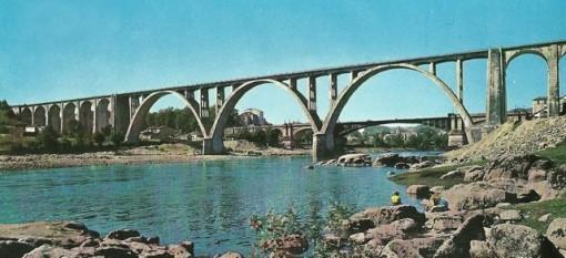 Postal típica del viaducto. FOTO: Cadernos de Istoria Ferroviaria.