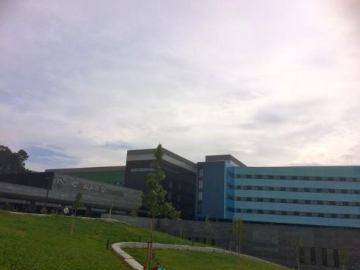 La situación que se vive en el gran hospital de Vigo se ha cobrado su segunda dimisión en el mismo servicio. FOTO: J.M.G.