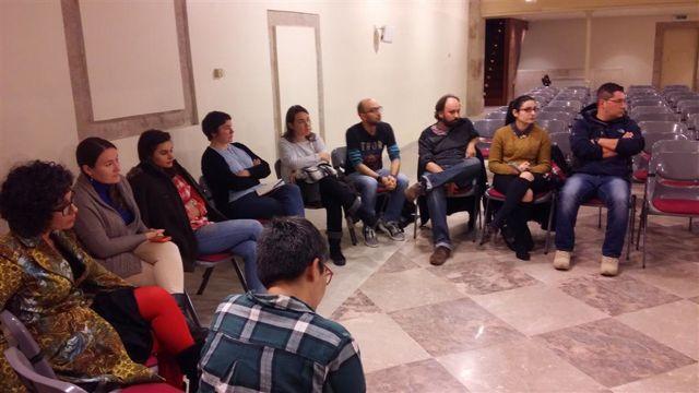 Debate mantenido en la reunión celebrada en el Museo do Pobo Galego. FOTO: Cedida.
