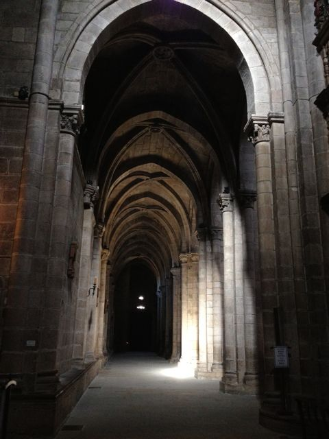 Nave sur de la catedral ourensana. FOTO: J.M.G.