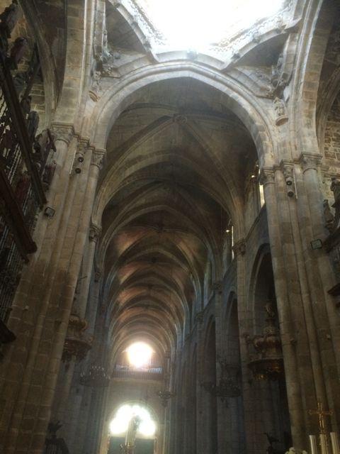 La catedral conserva centenares de signos de las logias de canteros que ayudaron a levantar su enorme y elegante estructura. FOTO: J.M.G.