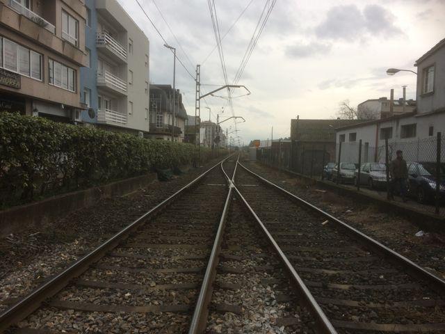 Entrada en la estación de O Porriño sentido Vigo. FOTO: J.M.G.