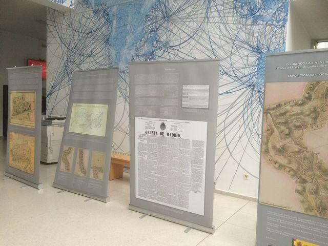 Panales con la documentación que recuerda el Tratado. FOTO: J.M.G.