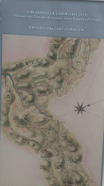 La muestra ofrece interesante cartografía sobre la frontera. FOTO: J.M.G.
