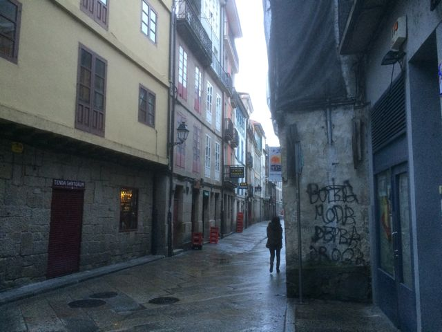 La hoy Rúa Lepanto cobra mayor actividad por las tardes, con la apertura de sus locales de vinos y tapas. FOTO: J.M.G.