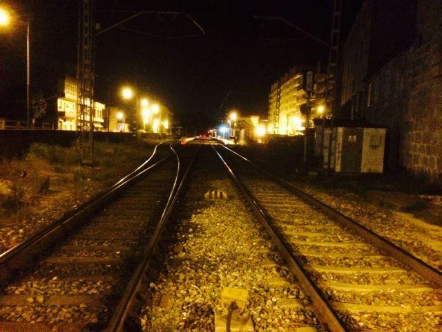 Perspectiva de la estación desde el paso a nivel. FOTO: J.M.G.