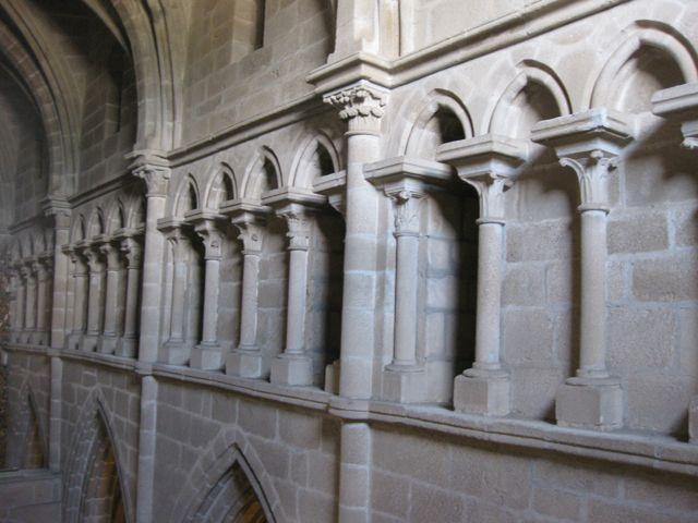 Triforio en el lado sur de la nave central de la basílica. FOTO: J.M.G.