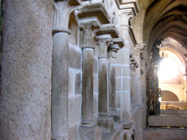 Perpectiva del triforio sobre la nave lateral norte, visto desde la tribuna occidental del templo. FOTO: J.M.G.