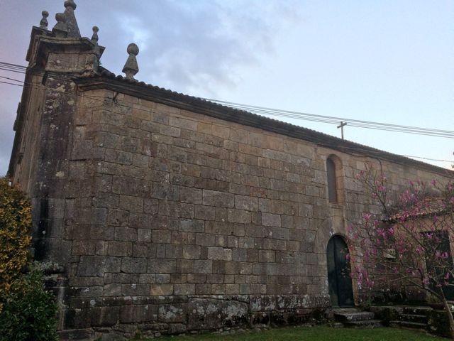 Fachada sur del templo que en el siglo XI acogió la catedral tudense. FOTO: J.M.G.