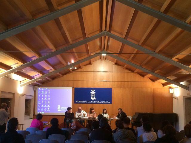 Salón de actos del Consello da Cultura galega, en la clausura de un curso sobre nuevos paradigmas en la comunicación del patrimonio cultural. FOTO: J. M. G.